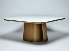 Tavolo da pranzo in marmo di Carrara e noce americanoOOMA - REDA AMALOU DESIGN