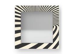 Specchio quadrato da parete con cornice OPTICAL COLD | Specchio - DOLCEVITA ABSTRACT
