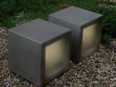 Seduta da esterni in calcestruzzo con illuminazione integrataOUTLINE | Panchina con illuminazione integrata - FACTOR-ESPAÇO, INVESTIMENTOS IMOBILIÁRIOS