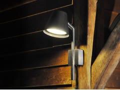 Lampada da parete per esterno a luce diretta in ottonePARKER - ROYAL BOTANIA