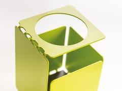 Portapenne in metallo verniciatoPERFO | Portapenne - MANADE