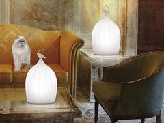 Lampada da tavolo a LED in porcellana SMOON CAGE PORCELAIN - BEAU & BIEN