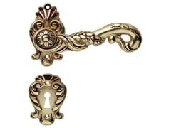 Maniglia in ottone in stile liberty su rosetta con bocchetta POESIA | Maniglia con bocchetta - Poesia
