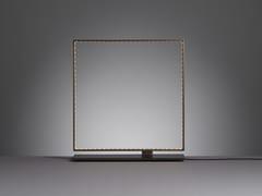 Lampada da tavolo a LED a luce diretta e indiretta in metallo SQUARE 30 - Square
