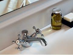 Rubinetto per lavabo monoforo con rosette separate AGORÀ | Rubinetto per lavabo monoforo - Agorà