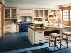 Cucina laccata in tiglio in stile veneziano FORTUNA -