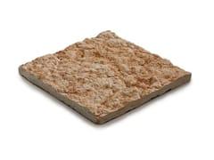 Pavimento per esterni in pietra calcarea LESSINIA - Lastre