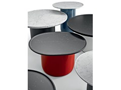 Tavolino rotondo con piano in marmo e base laccataBUTTON TABLES - B&B ITALIA