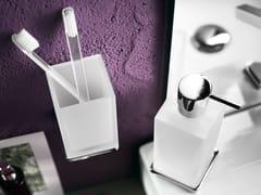 Portaspazzolino in vetro acidatoCUBE | Portaspazzolino - CARLO NOBILI RUBINETTERIE