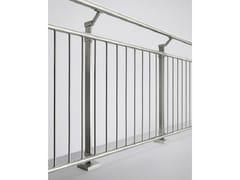 Parapetto in acciaio e vetroLINEAR LINE | Parapetto in acciaio e vetro - Q-RAILING ITALIA