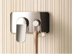 Miscelatore per doccia con piastra LEVANTE | Miscelatore per doccia - Levante