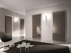 Porta a battente in vetro colorato BISYSTEM | Porta in vetro colorato - Design