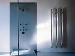 Termoarredo verticale in ottone cromato a parete T.B.T. | Termoarredo in ottone cromato - Elements