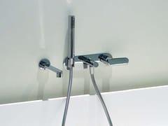 Miscelatore per vasca a muro con doccetta ONE | Miscelatore per vasca a muro - One