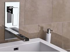 Miscelatore per lavabo a cascata a muro con piastra QUBIKA CASCATA | Miscelatore per lavabo con piastra - Qubika Cascata