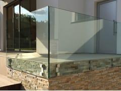 Parapetto con LED per finestre e balconi per scaleMOD.4762 | Parapetto - Q-RAILING ITALIA