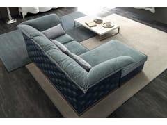 Divano capitonné in tessuto a 3 posti con chaise longue TIAGO | Divano con chaise longue - Zoe Gold