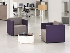 Poltroncina con braccioli per contract NET.WORK.PLACE - Net.Work.Place