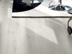 Pavimenti Effetto Legno Bianco : Pavimento in laminato effetto legno rovere bianco classico pergo
