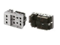 Presa elettrica a 3 moduliSIDE UNIKA XL - 4 BOX