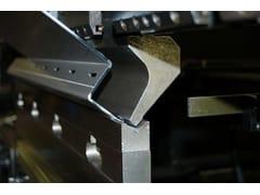 Lavorazione del metalloPunzonatura e Piegatura Lamiere - CMM