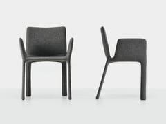 Sedia imbottita in tessuto con braccioli JOKO | Sedia imbottita - Joko