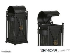 Portarifiuti in metallo per esterni con portacenereCestone Virgo con coperchio apribile - DIMCAR