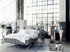 Letto imbottito matrimoniale reclinabile in tessutoVINGA - CARPE DIEM BEDS OF SWEDEN