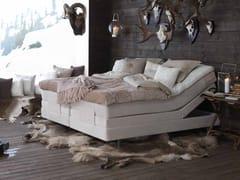 Letto imbottito matrimoniale reclinabile in tessutoSALTO - CARPE DIEM BEDS OF SWEDEN