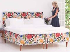 Letto matrimoniale con testiera imbottitaMODERN CLASSIC - CARPE DIEM BEDS OF SWEDEN