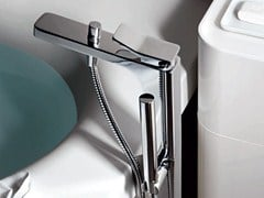 Miscelatore per vasca da terra con doccetta SOFT | Miscelatore per vasca - Soft