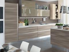 Cucina componibile in legno senza maniglie ESSENZA | Cucina senza ...