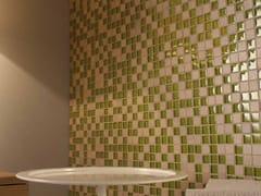 Mosaico composto da tessere quadrate di diverso materialeMIX - MOSAICO+