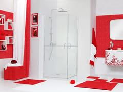 MEGIUS, WEB 5.0 A Box doccia angolare in vetro con porta a battente