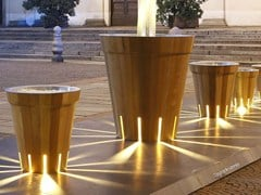 DDF, LITI Fioriera per spazi pubblici luminosa in legno