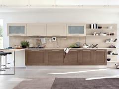 Cucina in legno con maniglie GALLERY | Cucina con maniglie - Cucine Lube