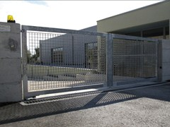 GRIGLIATI BALDASSAR, Cancello Cancello industriale in metallo