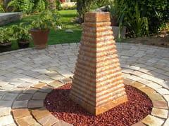 Fontana da giardino in pietra naturalePYRAMIS - STONE AGE PVT. LTD.