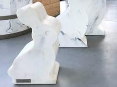 Scultura in marmo di PaonazzoRABBIT - HOME DESIGN BY FRANCHI UMBERTO MARMI