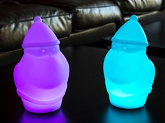 Lampada da tavolo a LED senza fili in plasticaNIC - SMART AND GREEN