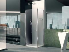 Box doccia angolare in vetro con porta a battentePRISMA 1.0 | Box doccia con porta a battente - MEGIUS