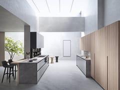 Cucina laccata in legno e vetro con isolaSISTEMA 22.2 - AMBIENTE 04 - ALTA