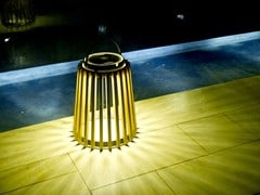 Lanterna ad energia solare in teakSOLARE | Lanterna in teak - UNOPIÙ