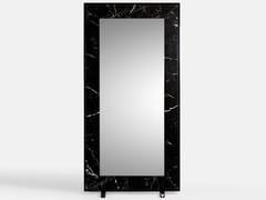 Specchio in gres porcellanato con corniceSPECCHIERA EFFETTO MARMO - VALSECCHI MARMI