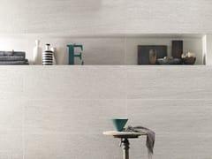 Rivestimento tridimensionale in ceramica a pasta bianca effetto pietraSTONE PLAN WALL RIGATO GRIGIO - ITALGRANITI