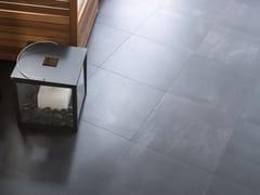 Pavimento/rivestimento in gres porcellanato effetto cemento STREET BLACK - URBATEK - Grès Porcellanato