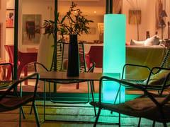 Piedistallo a LED in plastica con sistema RGBTOWER - SMART AND GREEN