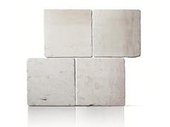Pavimento/rivestimento per esterni in pietra di Trani CHIARO ANTICATO - TRA 07 PIA ANT - Pietra di Trani