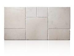 Pavimento/rivestimento per esterni in pietra di Trani OPUS ANTICATO - TRA 08 PIA ANT - Pietra di Trani