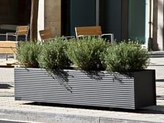 URBIDERMIS, TRAM Fioriera per spazi pubblici rettangolare in ghisa